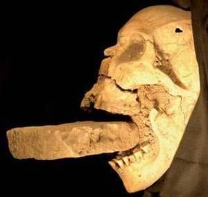 090311-vampire-mouth-02